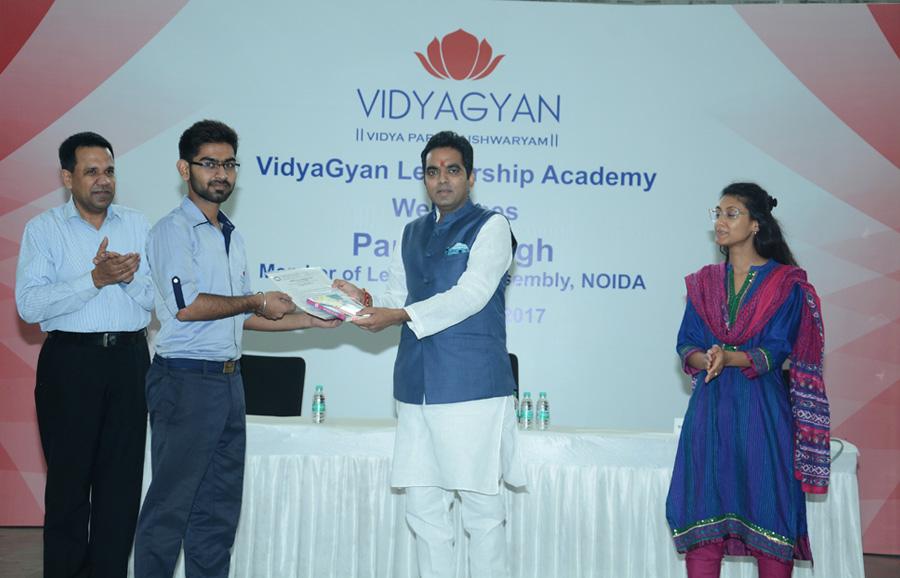 Pankaj Singh, MLA, NOIDA visits VidyaGyan Bulandshahr